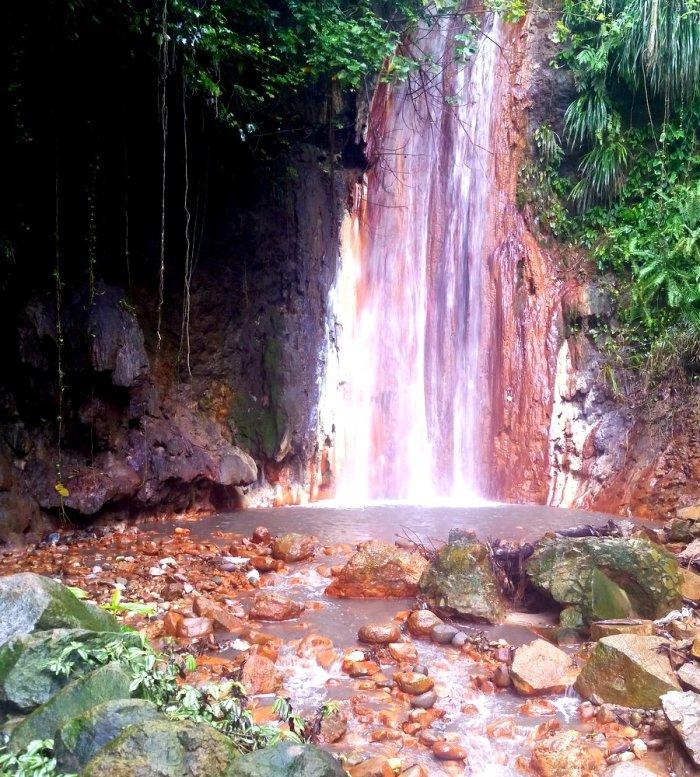 Diamond Botanical Gardens, St lucia, Diamond Waterfall, Sulphur Springs
